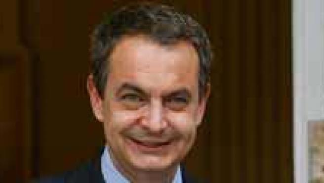 Zapatero apuesta por buscar una solución mediante el dialigo. (ARCHIVO)
