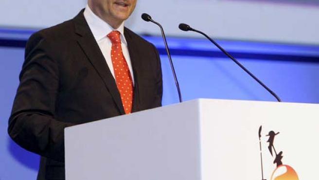 Miguel Sebastián se dirige a los asistentes a la sesión inaugural del 19º Congreso Mundial del Petróleo. (EFE)