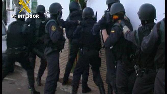 Agentes especiales registraron las chabolas de Son Banya.