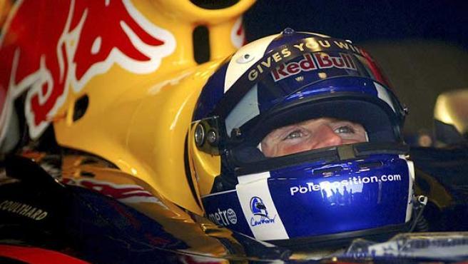 Coulthard sonríe en su monoplaza. (EFE)