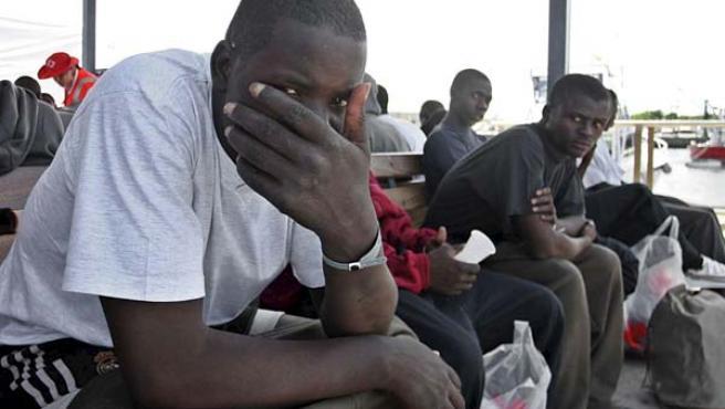 Varios de los inmigrantes de origen subsahariano. (EFE)