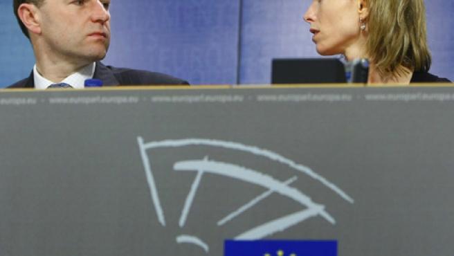 Los padres de la pequeña Madeleine McCann, durante su reciente estancia en el Parlamento Europeo (Yves Herman / REUTERS)