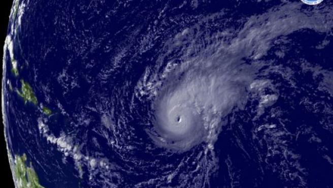 Imagen de satélite del huracán Bertha, cedida por la Administración Nacional de los Océanos y la Atmósfera. (Foto: Reuters)