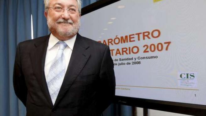 El ministro de Sanidad y Consumo, Bernat Soria,durante la presentación del Barómetro Sanitario 2007.