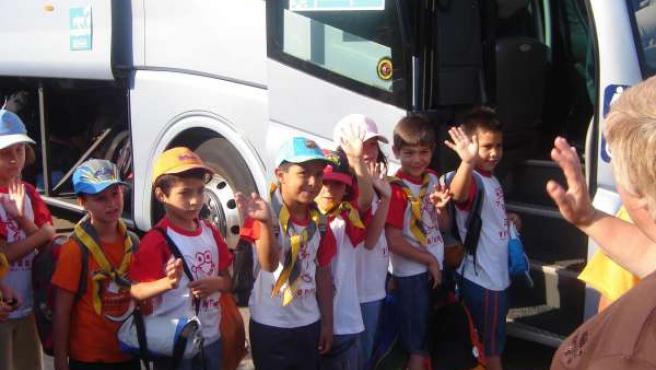 Un grupo de niños en un campamento de verano (ARCHIVO )