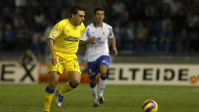 El nuevo delantero del Recreativo, durante un partido con su ex equipo.