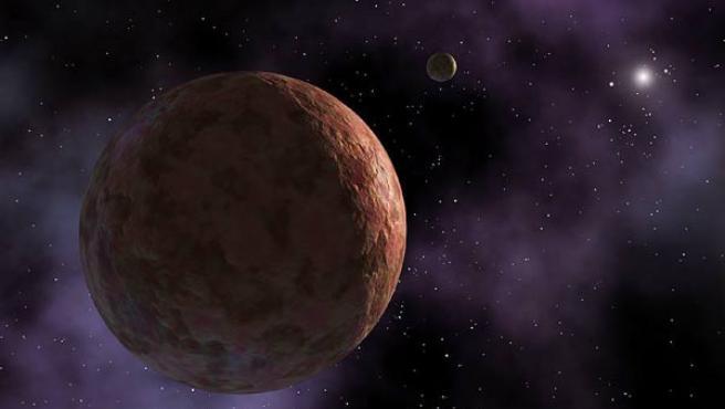 Orbita alrededor del Sol sólo ligeramente más lejos que Plutón.