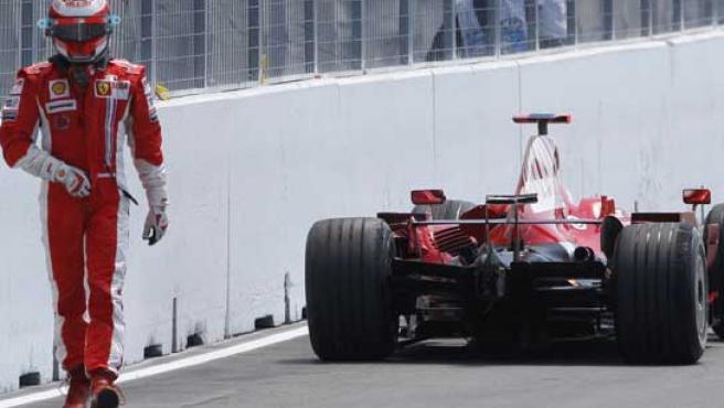 Kimi Raikkonen abandona su Ferrari. (ARCHIVO)