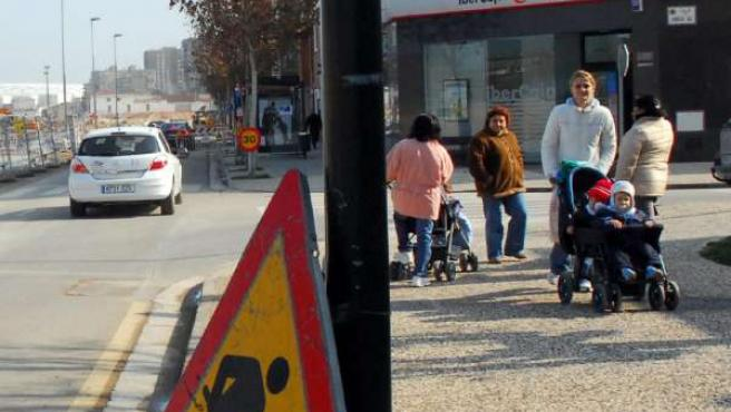 Obras de rehabilitación en el pavimento de una calle (ARCHIVO)