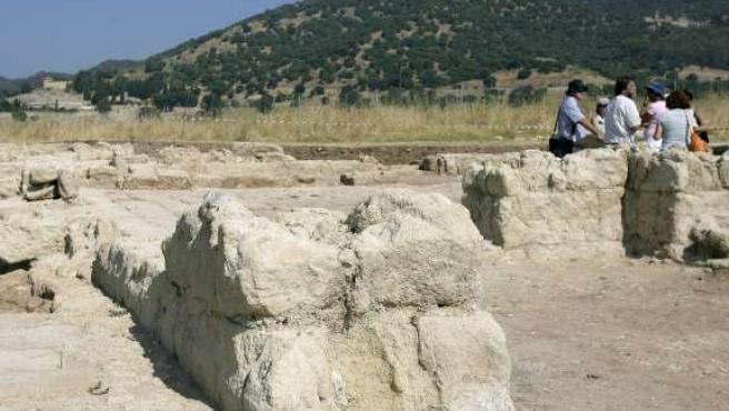 La calzada descubierta data del siglo X.