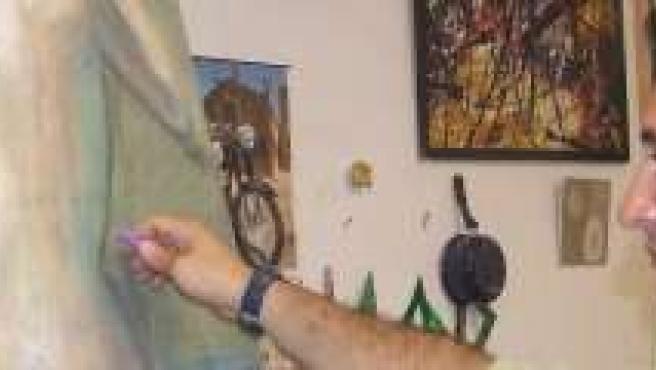 Juan Carlos Martín en su estudio artístico.