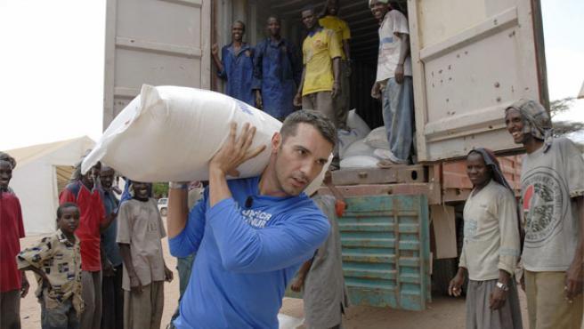 Jesús Vázquez colabora en un campo de refugiados.