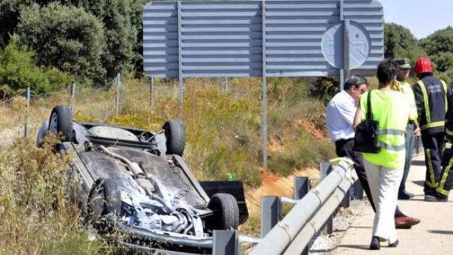 Imagen de un accidente de tráfico en la carretera N-122, a su paso por Soria. (ICAL)