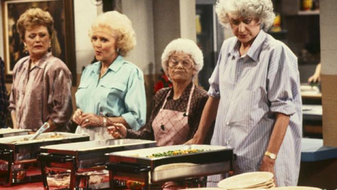 De izquierda a derecha, Rue McClanahan, Betty White, Estelle Getty y Beatrice Arthur, el cuarteto de 'Las chicas de oro' (REUTERS).