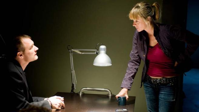 La actriz Emma Suárez en una secuencia de la serie.