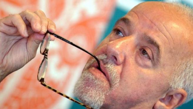 Imagen del escritor Paulo Coelho. (ARCHIVO)