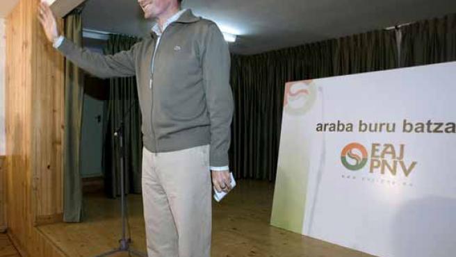 El Lehendakari, Juan José Ibarretxe, tras una intervención en la reunión de la ejecutiva del PNV de Álava. (FOTO: EFE)