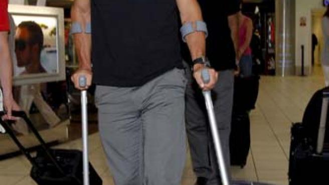 Sneijder, a su llegada a la clínica (Agencias).