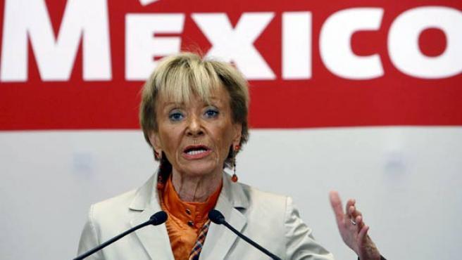 Fernández de la Vega, durante la rueda de prensa que ofreció en México. (EFE/SERGIO BARRENECHEA)