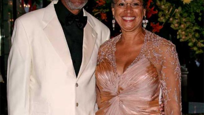 Morgan Freeman Se Divorcia De Su Esposa Freeman'ın iş ortağı ve avukatı olan bill luckett 2008 yılının ağustos ayında ikilinin boşanmak üzeri olduğunu açıkladı.17. morgan freeman se divorcia de su esposa