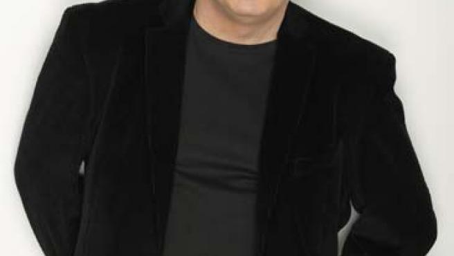 En 1998 Carbonell se metió en la piel de otro doctor en la película Torrente, el brazo tonto de la ley.