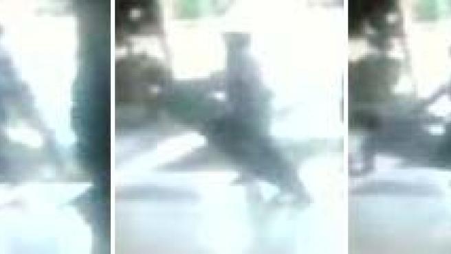 Así fue la agresión que sufrió el profesor Jesús Neira a principios de agosto en Majadahonda. (Antena 3 TV).