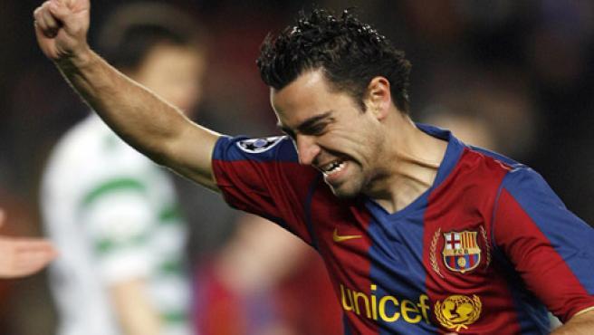 Xavi celebra su gol al Celtic. (Efe)