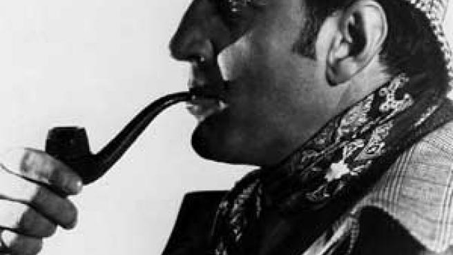 Sherlock Holmes, un famoso detective.