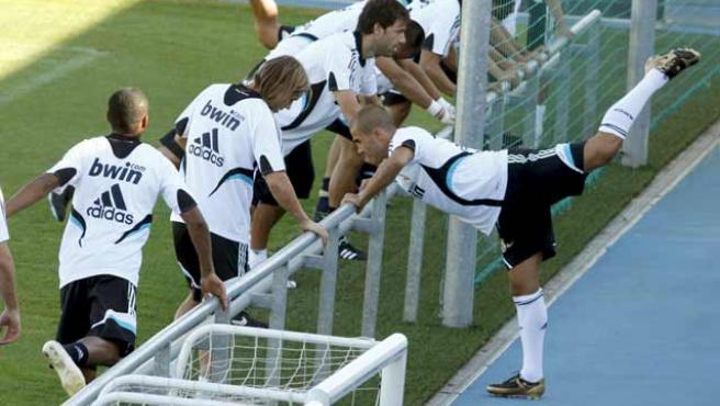 Fabio Cannavaro se entrena con el Real Madrid. (EFE)