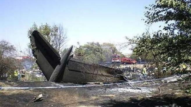 Restos del avión de Spanair siniestrado en Barajas en agosto de 2008.