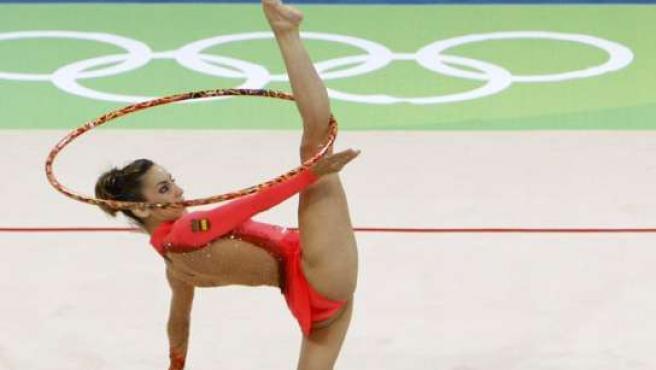 Almudena Cid, durante un ejercicio en el día de su debut en Pekín 2008 (REUTERS)