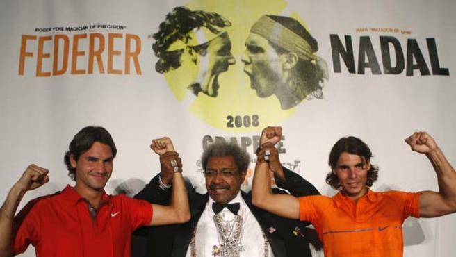 Rafa Nadal con Roger Federer en un acto publicitario antes del US Open. (Reuters)