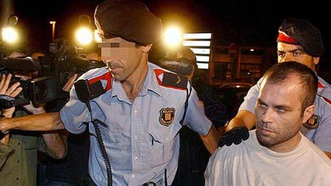 Pedro Jiménez, conducido por los Mossos a la comisaría de L'Hospitalet.