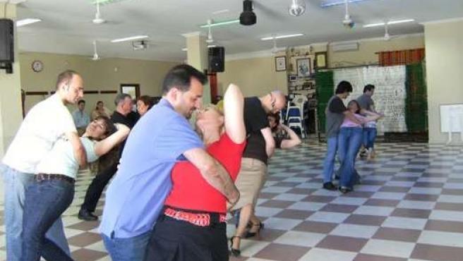 Uno de los talleres de baile que ofrece la asociación.