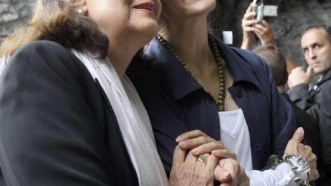 Ingrid Betancourt y su madre, Yolanda Pulecio, en su visita a Lourdes.