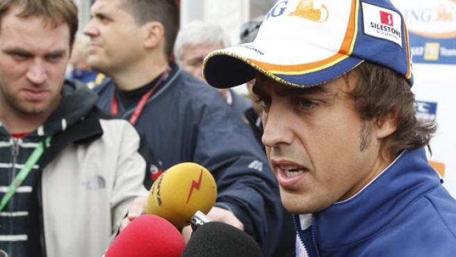 Fernado Alonso, en Bélgica, para la disputa del Gran Premio. (EFE)