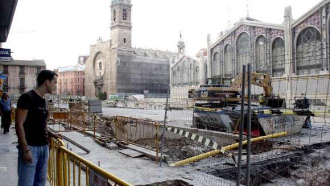 Las obras del metro han obligado a cortar y cambiar de sentido varias calles.