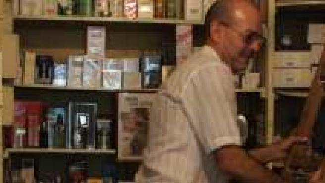 La droguería La Giralda, es uno de los comercios más antiguos de Granada.