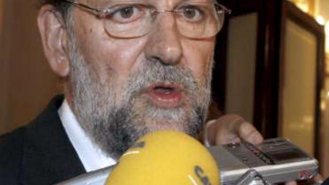 Mariano Rajoy responde a las preguntas de los periodistas en el Congreso de los Diputados. EFE/J.L PINO
