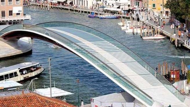 En el puente aún no se ha construido el sistema de acceso para discapacitados físicos. 20MINUTOS/ARCHIVO
