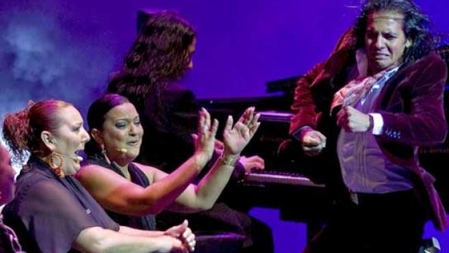 Un momento de la actuación ofrecida por 'Farruquito' en Sevilla (FOTO: EFE)