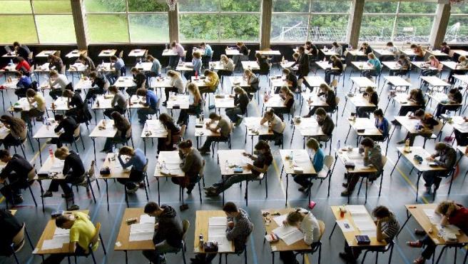 Un aula durante la celebración de exámenes.(Archivo)
