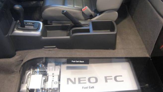 El Nissan X-Trail FCV tiene una batería compacta de iones de litio.