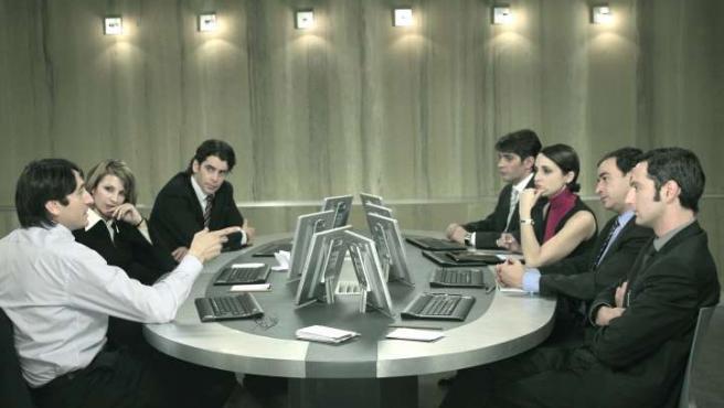 El método Grönholm, película en la que los personajes luchan por un puesto en una entrevista de trabajo.