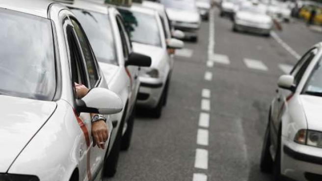 Protesta de taxis por la subida del carburante. (ARCHIVO)