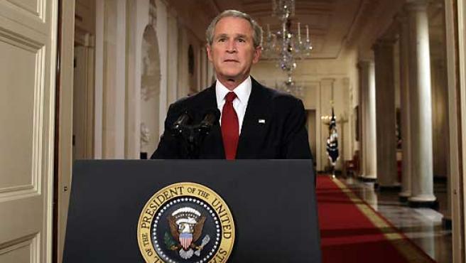 George W. Bush, durante su discurso televisado desde la Casa Blanca. (Yuri Gripas / Reuters).