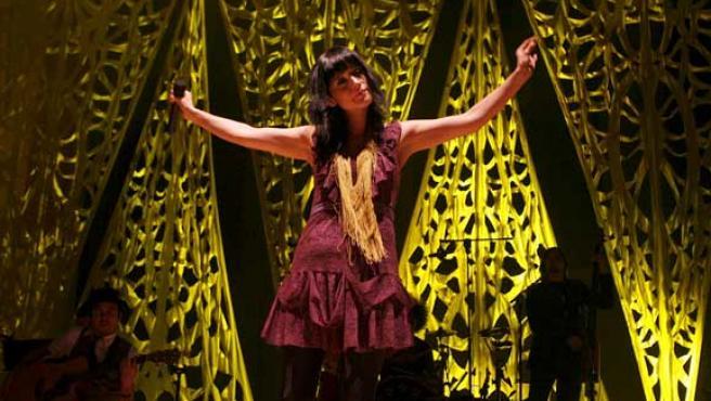 La cantante Julieta Venegas durante el concierto. FOTO: EFE.