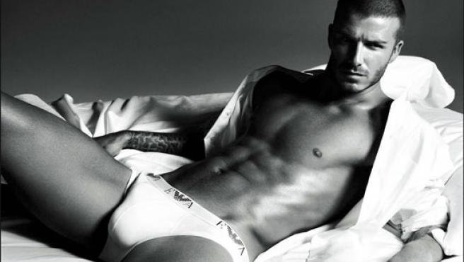 David Beckham ya posó así para la firma Armani (Foto: KORPA).