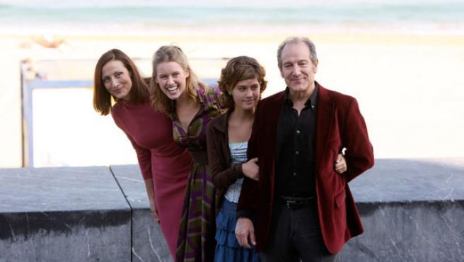 """Los protagonistas de """"Camino"""". (De izquierda a derecha): Carmen Elías, Manuela Vellés, Nerea Camacho y Mariano Venancio."""