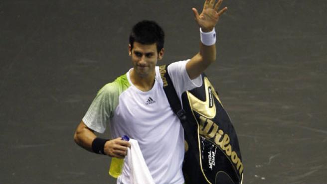 Djokovic saluda al público en un torneo. (EFE)